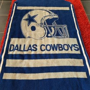 Authentic NFL Dallas Cowboys Large Throw/Blanket!